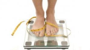 Ce e mai bun pentru slabit: un regim sarac in carbohidrati sau unul cu putine grasimi?