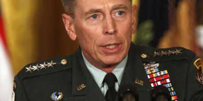 Fostul director CIA, generalul David Petraeus, condamnat in cazul scurgerii de informatii