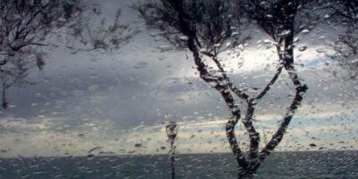 Informare de ploi si vant, emisa pentru mai multe zone din tara