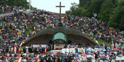Harghita: Slujba de Rusalii s-a incheiat cu binecuvantarea Papei, transmisa de arhiepiscopul Jakubinyi