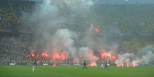 LIVETEXT Steaua - U Cluj 2-0, finala Cupei. Meciul, intrerupt 3 minute dupa ce s-au aruncat torte in teren
