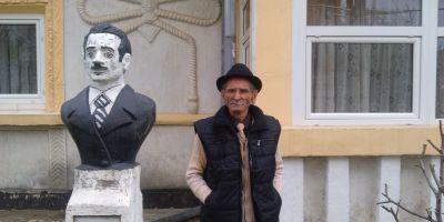 Artistul rom din Dorohoi care si-a facut singur statuie in curte. A terminat facultatea la Iasi, s-a specializat in Franta si a muncit pe trei continente