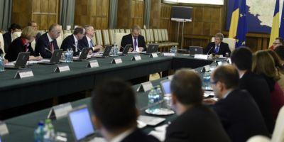 Pe hartie, ministerele anunta facilitati pentru contribuabili, investitii masive, autostrazi si mai multa transparenta