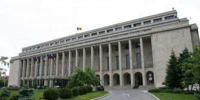 Membri ai Guvernului Ciolos au primit locuinte RA-APPS. Doi dintre ei au o alta locuinta in Capitala
