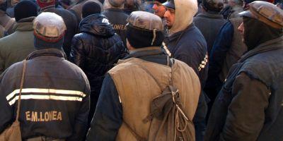 Sute de mineri din exploatarile Lonea si Vulcan refuza sa iasa din subteran in semn de protest fata de situatia CEH