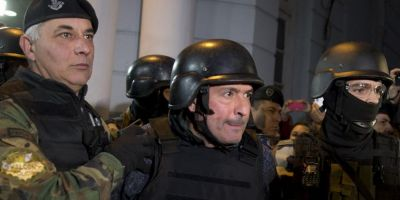 Scandaluri de coruptie la nivel inalt in Argentina. Un politician a fost arestat in timp ce ascundea opt milioane de dolari in gradina unei manastiri