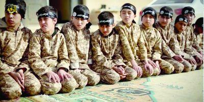 FOTO VIDEO Statul Islamic arunca in lupta copiii kamikaze