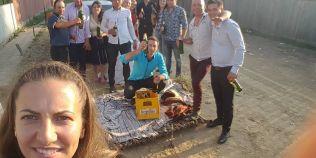 Cum se plimba mireasa la o nunta intr-un sat din Vaslui. Imaginile care au devenit viral pe internet