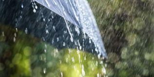 Avertizare meteo: Cod portocaliu de ploi in 14 judete
