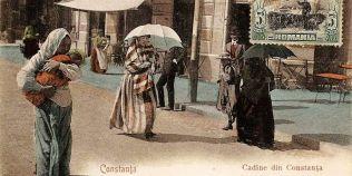 Imaginea de epoca din Constanta care arata multitudinea de culturi din oras de acum un secol