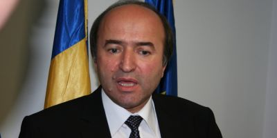 Declaratia de avere a lui Tudorel Toader, propus ministru al Justitiei: are sase case, terenuri agricole si padure