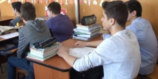 Elevii se intorc la scoala pe 2 mai. Cand incepe vacanta de vara, cand sunt programate examenele