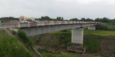 Romania lucrului prost facut. Cum s-au cheltuit 1,25 milioane de euro pentru un pod care risca sa se darame. Executantul a facturat inclusiv lucrari deja efectuate