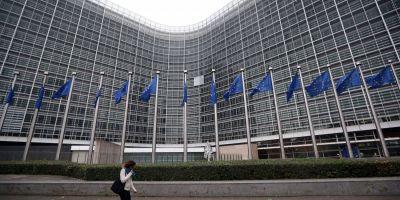 Eurobarometru: Romanii au o incredere mai mare in institutiile europene fata de cele nationale