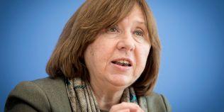 Svetlana Aleksievici, castigatoare a Nobelului pentru Literatura, si-a anulat participarea la FILIT Iasi
