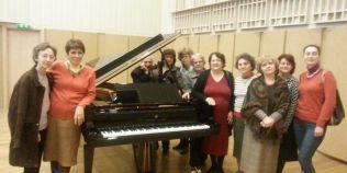 Profesoara Olga Szel, care preda pianul de peste cinci decenii la Colegiul de Muzica