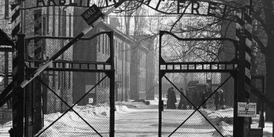 Insemnarile dureroase ale unui detinut de la Auschwitz, gasite si descifrate dupa zeci de ani: Dorinta de razbunare m-a impiedicat sa pun capat suferintei
