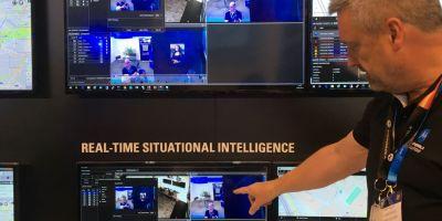 Cum arata politistii viitorului si noua tehnologie pentru siguranta publica: de la statiile Tetra la telefoanele cu recunoastere biometrica