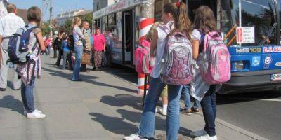 Petitie pentru decontarea integrala a navetei scolare. Demersul elevilor din Neamt pentru un drept stabilit prin lege